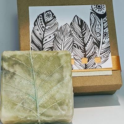 Botanical: Sculpted Leaf